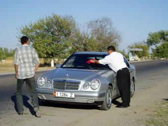 Kirgisistan Luxuskarosse