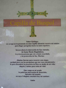 Pilgergebet an Kapelle von Buspol